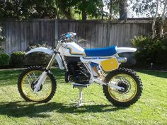 1983 Husqvarna 500 CR. I just love these old Husky's.. Would love to own one..