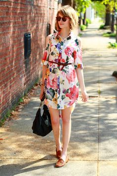pretty floral pattern shirt dress / loafers