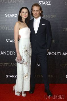 (Apr 5, 2016 premiere) Caitriona-Balfe-Sam-Heughan-Outlander-Season-2-Premiere-Red-Carpet-Fashion-Delpozo-Tom-Lorenzo-Site (1)