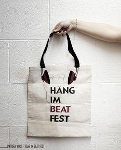 Ziemlich coole Idee: Das Taschendesign mit dem Motiv zu verbinden :)