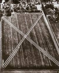 EARTHWORKS, also known as Land Art, Earth Art, or Environmental Art, emerged in the and Earthworks are fabricated in and wit. Dennis Oppenheim, Pop Art, Modern Art, Contemporary Art, Environmental Art, Early American, Conceptual Art, Ancient Art, Sculpture Art