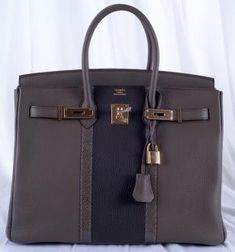Limited Edition Hermès #Birkin Bag 35cm Etain Gold Hardware