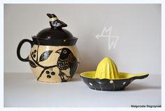 MW Ceramics #malgorzatawegrzyniak #polandhandmade #ceramics #ceramika #pottery #sgraffito#black #yellow