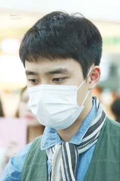 D.O - 160430 Gimpo Airport, departing for Tokyo - 4/4 Credit: Wish Boy. (김포공항 출국)