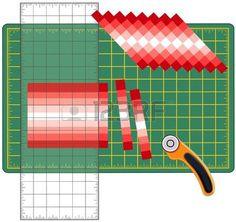 Patchwork: come farlo da soli. Tagliare strisce di tessuto cucite, riorganizzare in schemi e disegni con righello trasparente, taglierina lama rotante sul tappeto di taglio, per le arti, artigianato, cucito, quilt, applique, progetti fai da te. photo