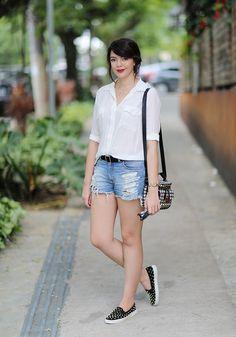 Comfy Weekend :: Boyfriend shirt & Red flats | Outfits - Weekender |  Pinterest | Armani exchange shoes, Karen walker sunglasses and Karen walker