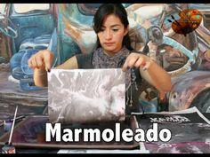 """Técnica que nos permite decorar papel con efecto mármol de ahí su nombre """"marmoleado"""", inventada por Mace Rutte quien era encuadernador de un rey en el siglo..."""