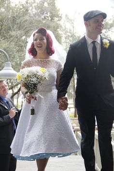 Crinoline, Coca-Cola, and an Adam Sandler first dance at Rebekah & Jerry's rockabilly wedding Rockabilly Wedding Dresses, Wedding Dresses For Girls, Wedding Goals, Dream Wedding, Mode Pin Up, Rock And Roll, The Wedding Singer, Unconventional Wedding Dress, Wedding Inspiration
