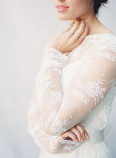 Wedding dress with lace sleeves | Byron Loves Fawn Photography