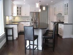 Kitchen backsplash black granite benjamin moore Ideas for 2019 Kitchen Island Storage, Small Kitchen Cabinets, Kitchen Island With Seating, Kitchen Layout, White Cabinets, New Kitchen, Kitchen Design, Garage Cabinets, Kitchen Reno