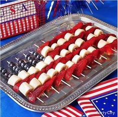 4th of july.... so cute I am going to try it. For a healthy alternative use 2 small marshmallows or popcorn for the white stripes