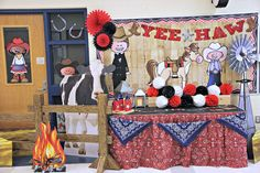 Luckily, you can easily transform your school entrance into a western rodeo with a Texas-themed bulletin board and display.