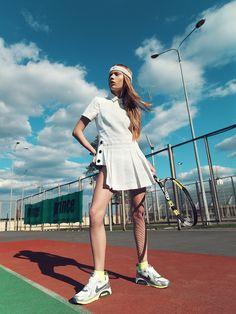 51 Ideas for sport fashion photoshoot editorial Tennis Fashion, Uk Fashion, Fashion Shoot, Sport Fashion, Editorial Fashion, Fashion Models, Sports Editorial, Fashion Beauty, Beauty Editorial
