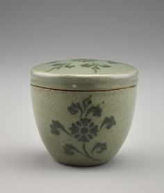 Covered container, second half of century, Goryeo period - Stoneware with iron pigment under celadon glaze, H: W: cm - Korea