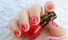 Manicura de San Valentín. // http://vintage-nails.blogspot.com
