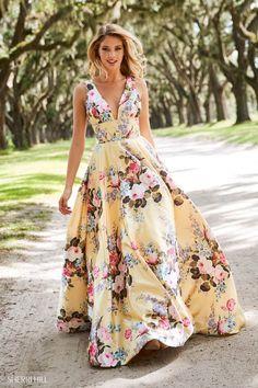 Floral Print Gowns, Floral Prom Dresses, Sherri Hill Prom Dresses, Prom Dress Stores, Designer Prom Dresses, Floral Maxi Dress, Pretty Dresses, Beautiful Dresses, Formal Dresses