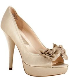 """Cute!  In my next life, I'll wear size 6 shoes with 5"""" heels.  @ Nicolle Graber"""