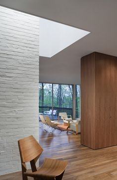 interior brick wall - White painted brick: Record House Revisited by David Jameson Architect Painted Brick Walls, White Brick Walls, White Bricks, Wood Walls, Brick Architecture, Interior Architecture, Wall Texture Design, Brick Interior, Interior Livingroom