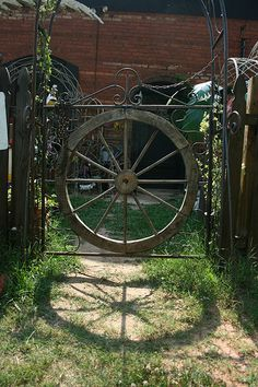 Wagon Wheel Gate Gateway