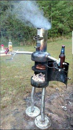 Good Pics Backyard Fire Pit bbq Popular The majority of modern day homeowners are searching for over a traditional solid wood deck with a bbq inside t. Pit Bbq, Backyard Bbq Pit, Welding Art Projects, Metal Art Projects, Diy Projects, Welding Crafts, Diy Welding, Metal Fire Pit, Diy Fire Pit