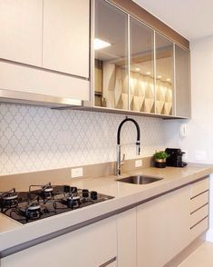 5 Accomplished Tips AND Tricks: Split Level Kitchen Remodel Exterior Design kitchen remodel contemporary range hoods.Kitchen Remodel With Island Table. Kitchen Room Design, Kitchen Cabinet Design, Kitchen Sets, Modern Kitchen Design, Kitchen Interior, Home Interior Design, Kitchen Decor, 1960s Kitchen, Ikea Kitchen