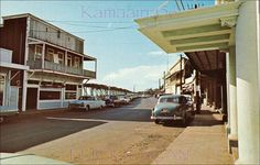 Front Street Lahaina...my first time in Lahaina it looked exactly like this.