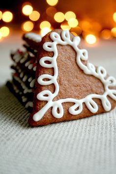 Gingerbread heart cookies christmas merry christmas gingerbread cookies christmas pictures christmas ideas happy holidays merry xmas/ could be for Valentines Day also