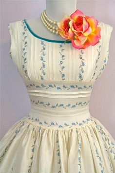 1950's white-dress-with-dainty-turquoise-rose-buds