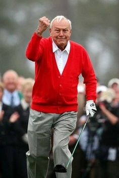 AUGUSTA, GA - APRIL 11:  Honorary starter Arnold Palmer of the United States reacts after he tees off to start the first round of the 2013 Masters Tournament at Augusta National Golf Club on April 11, 2013 in Augusta, Georgia.