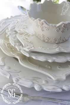 After you get 1 set of great white dishes start collecting other white dishes. White dishes are gorgeous stacked together! I pick up most of my dishes on sale or at stores like, HomeGoods, Target, TJ Maxx and my local department stores. Do It Yourself Design, White Dishes, White Plates, China Patterns, Decoration Table, Table Settings, Place Settings, Pure Products, My Favorite Things