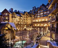 Dreaming of a classic wedding at a five-star hotel that takes everyone's breath away? Look no further than the Four Seasons Resort Vail, an alpine hotel and ski resort situated 8,150 above sea level in the Colorado Rockies.