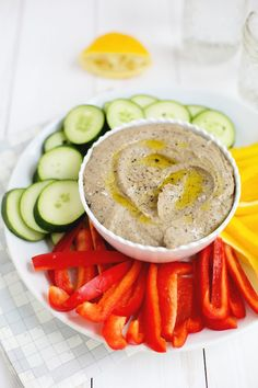 Black Bean Hummus - A BEAUTIFUL MESS