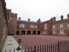 The Friary Court St James's Palace, Royal Palace, Princess Beatrice Wedding, Saint James, Royal House, British Royals, London England, Mansions, Country