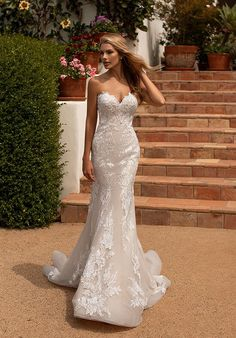 For a bride seeking out a fresh and new wedding dress style, Moonlight Collection is the one for you! This slim fitting mermaid wedding dress perfectly matches a chic and trendy bride that want to shine on her big day. Strapless Lace Wedding Dress, Wedding Dress Backs, Elegant Wedding Dress, Bridal Wedding Dresses, Tulle Dress, Wedding Dresses Slim Fit, Form Fitting Wedding Dress, Bridal Style, Mantel Elegant