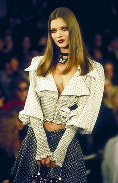 "kate-jam-and-diamonds: ""New York Fashion Week, 90s / ph: Terry Breheny """