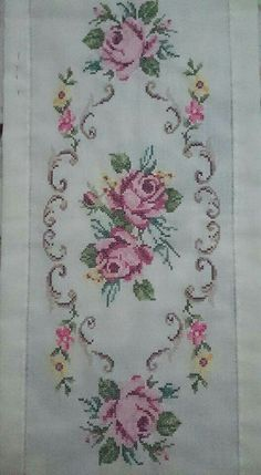 New Embroidery Patterns Vintage Shabby Chic Ideas Ideas Cross Stitch Borders, Cross Stitch Rose, Cross Stitch Flowers, Cross Stitch Charts, Cross Stitching, Cross Stitch Embroidery, Cross Stitch Patterns, Embroidery Hoop Nursery, Towel Embroidery