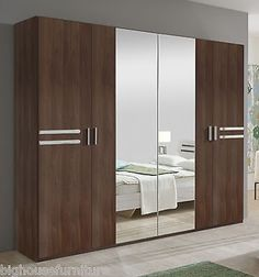 40 Sliding Wardrobe Door Design Ideas for Bedroom That You Must Imitate Bedroom Closet Doors, Wardrobe Room, Wardrobe Design Bedroom, Sliding Wardrobe Doors, Wardrobe Furniture, Bedroom Bed Design, Bedroom Furniture Design, Master Closet, Mirror Bedroom