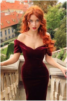 Wild voluminous hair, off the shoulder + sweetheart neckline, hourglass
