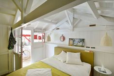 The spirit cabin in Cap Ferret - Wind Deco for houses Cap Ferret - cotemaison. Bed In Closet, Bunk Beds, Beach House, Pergola, Sweet Home, Cottage, Cabin, Bedroom, Architecture