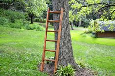 Our rustic wood quilt ladder is the perfect spot for displaying your cozy blankets and quilts. Diy Ladder, Rustic Ladder, Wood Ladder, Rustic Wood, Ladder Decor, Quilt Ladder, Diy Blanket Ladder, Sewing Room Furniture, Sewing Rooms