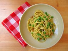 main entree pasta recipe : Local And Seasonal: Carbonara With Peas