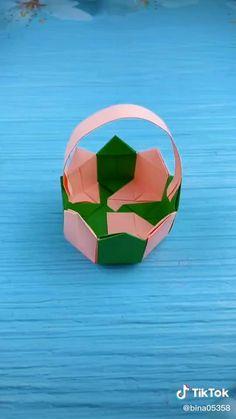 Instruções Origami, Paper Crafts Origami, Diy Paper, Diy Crafts Hacks, Diy Crafts For Gifts, Creative Crafts, Paper Flowers Craft, Paper Crafts For Kids, Boyfriend Crafts