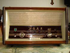 Philips radio, jaaaaaa die had mijn oma! Good Old Times, The Good Old Days, Radio Antigua, Retro Radios, Antique Radio, Estilo Retro, Sweet Memories, My Memory, Childhood Memories
