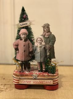 This was made with an old mint tin as the base. The feet are old wooden checkers. Christmas Scenes, Christmas Art, Christmas Projects, Winter Christmas, Handmade Christmas, Holiday Crafts, Christmas Ornaments, Tart Molds, Christmas Shadow Boxes