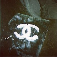 Plain glass mirror - glue 'white powder' onto mirror into Chanel logo XX Weed, Chanel Logo, Coco Chanel, Over The Rainbow, Coven, Soft Grunge, American Horror Story, Trippy, Moose Art