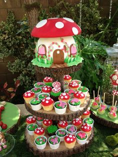 Toadstool cake & cupcakes