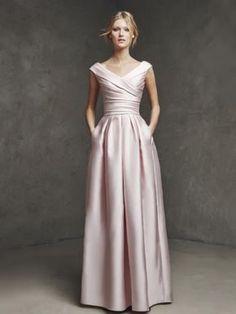 49548ec62b4 A-Linie Princess-Stil V-Ausschnitt Ärmellos Rüschen Bodenlang Satin Kleider  Satin
