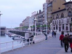 zona del puerto en Gijón