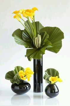 Green/Yellow Calla Lillies Arrangement- imagine this in glass vases on a console table in a reception Arrangement (Bottle Display Flower Arrangements)