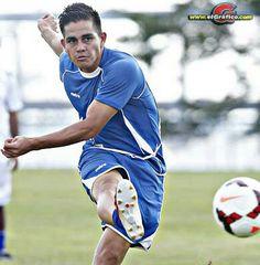 SAN SALVADOR. El jugador Rodolfo Zelaya, flamante campeón goleador del campeón Alianza y de la temporada 2010-2011, fue incluido en la lista de 24 jugadores que se alistarán para participar en la Copa Oro.